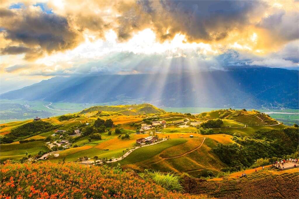 六十石山的招牌美景耶穌光
